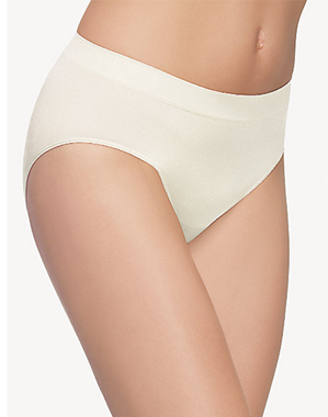 B-Smooth Seamless Brief in Ivory