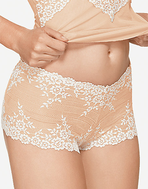 Embrace Lace Boyshort in Sand/Ivory