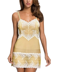 Embrace Lace Chemise in Pale Banana/White Alyssum