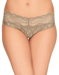 Lace Kiss Hipster in Au Natural